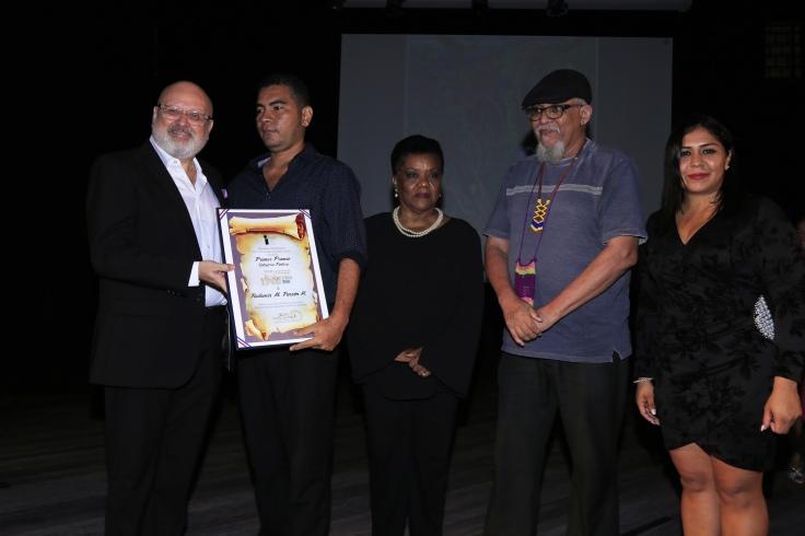 Primer premio Pintura Radamés Pinzón